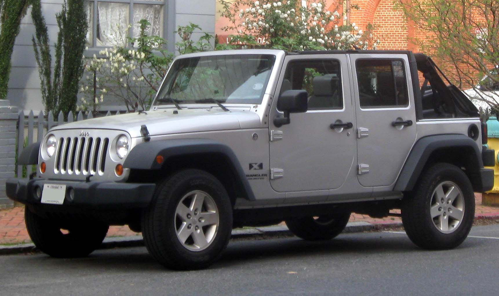 Jeep_Wrangler_Unlimited_X_--_04-07-2010