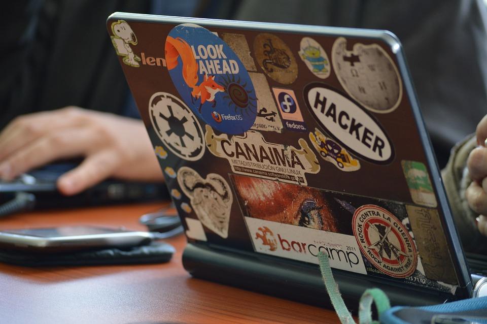 hacker-1569744_960_720